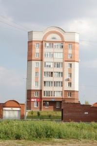 Дом с подземным паркингом, Уральский пр-т 83